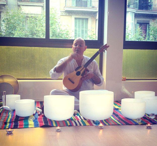 En Concierto Meditación utilizamos el canto de mantras, tonos a través de los Cuencos de Cuarzo y los Diapasones Pitagóricos, para armonizar el Ser.